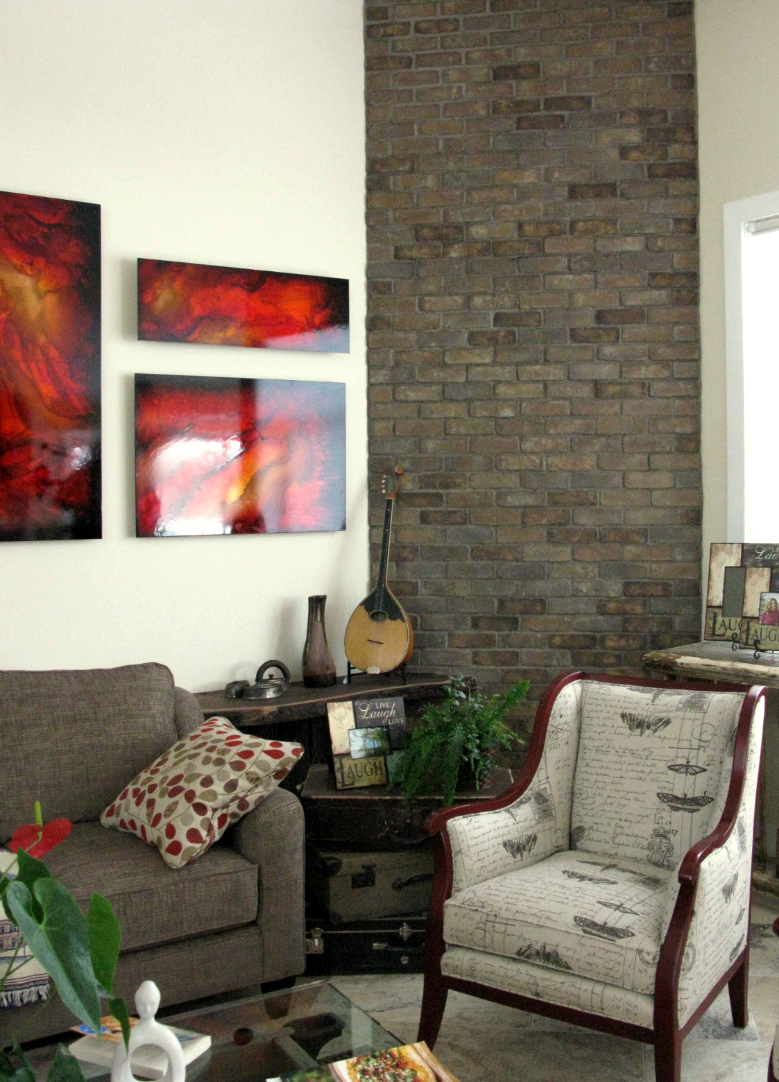 Living Room Feature Wall Decor: Living Room Brick Wall Feature